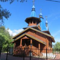 Храм во имя иконы Божией Матери «Седмиезерная» в посёлке Семиозерье